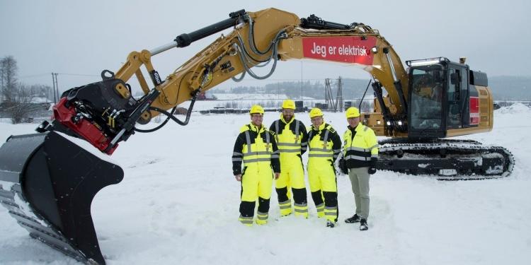 """Caterpillar представила электрический 26-тонный экскаватор с гигантским аккумулятором весом 3,4 т"""""""