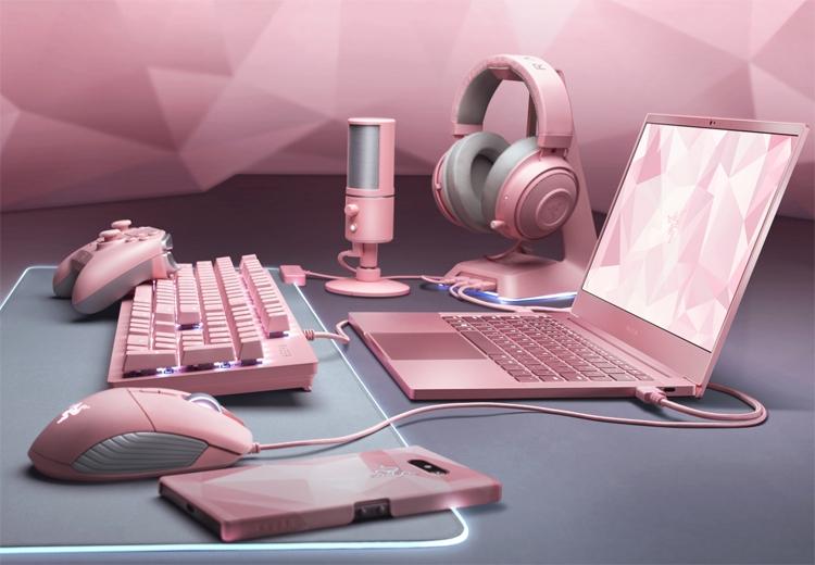 "Ко дню святого Валентина: ноутбук Razer Blade Stealth и периферия Razer в розовом цвете"""