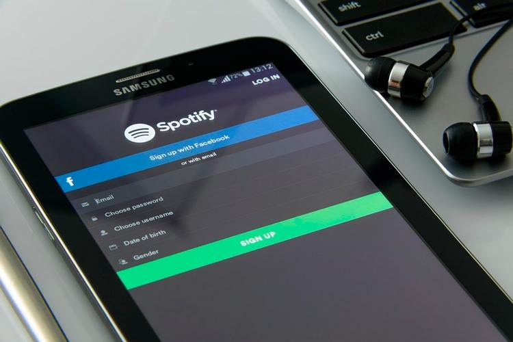 Spotify удалит аккаунты пользователей, блокирующих рекламу в сервисе