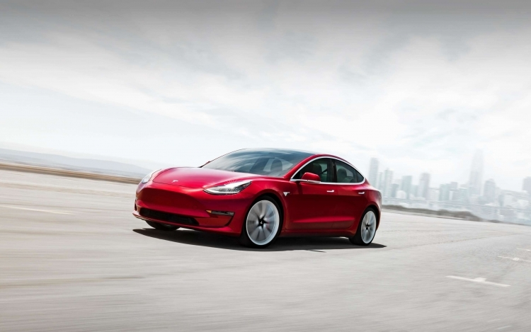 "Reuters: американцы теряют интерес к покупке электромобилей Tesla"""