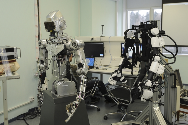 """Фото дня: российский антропоморфный робот в действии"""""""