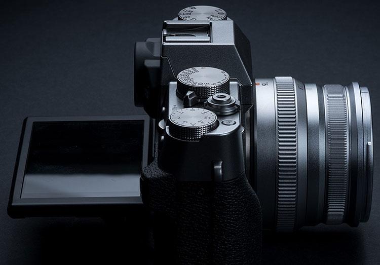 "Fujifilm X-T30 — меньше и дешевле X-T3, но не для видеографов"""