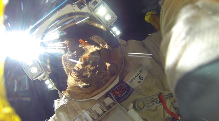 """Российские космонавты в мае выйдут в открытый космос"""""""