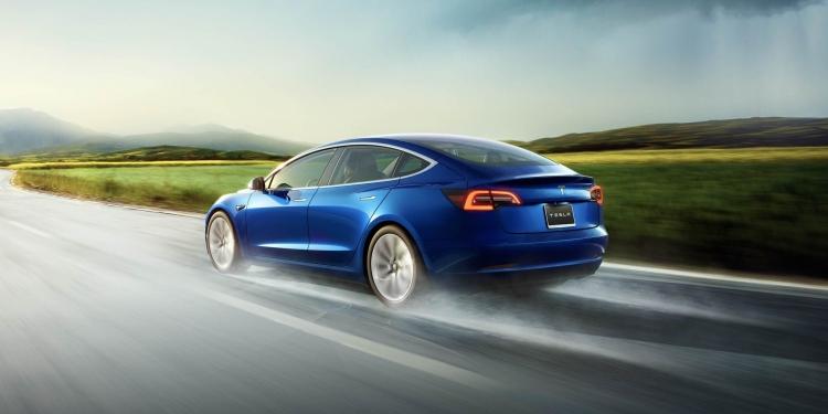 """Tesla готовится предложить лизинг электромобиля Model 3 для повышения спроса"""""""