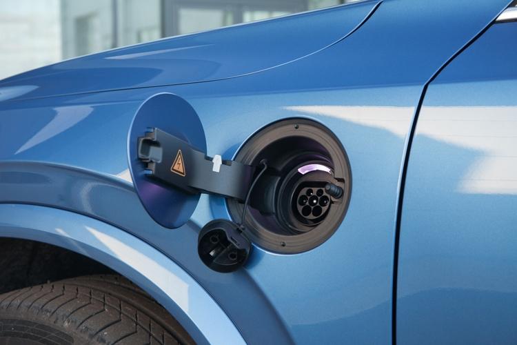 """Навстречу электрификации: новые гибридные силовые установки Volvo"""""""