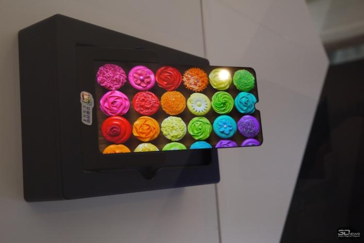 "MWC 2019: TCL продемонстрировала гибкие панели для смартфонов"""