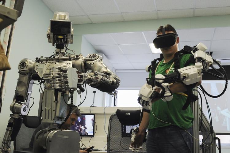 """Робот «Теледроид» для работы в открытом космосе будет создан к 2025 году"""""""