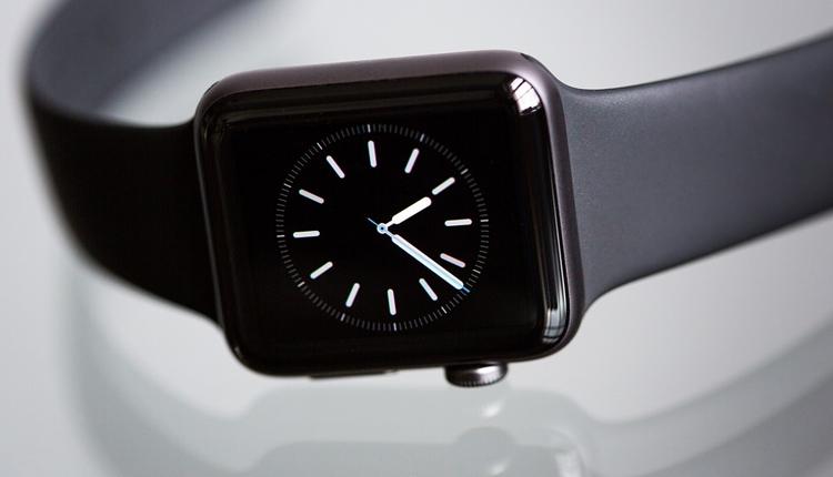 """На Apple Watch приходится половина мирового рынка смарт-часов"""""""