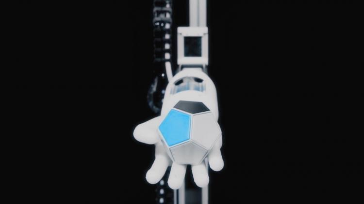 """Видео дня: «мягкая» роботизированная рука BionicSoftHand учится новым навыкам с помощью ИИ"""""""