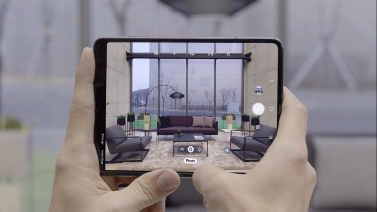 """Samsung предоставила образцы складных дисплеев компаниям Apple и Google"""""""