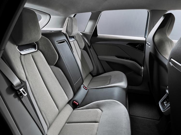 """Audi Q4 e-tron: электрический привод quattro и запас хода более 450 км"""""""