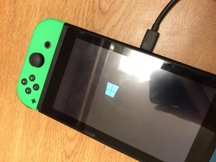 """На Nintendo Switch установили Windows 10"""""""