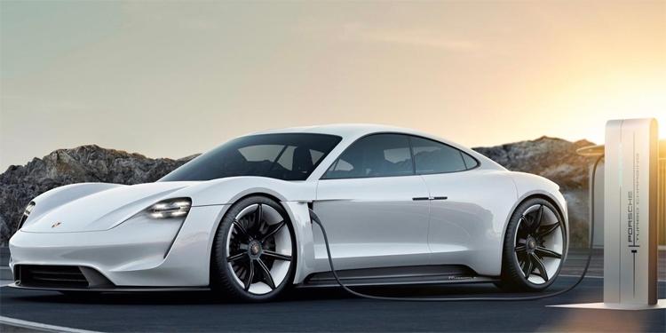 """Электрокар Porsche Taycan привлёк более 20 000 потенциальных покупателей"""""""