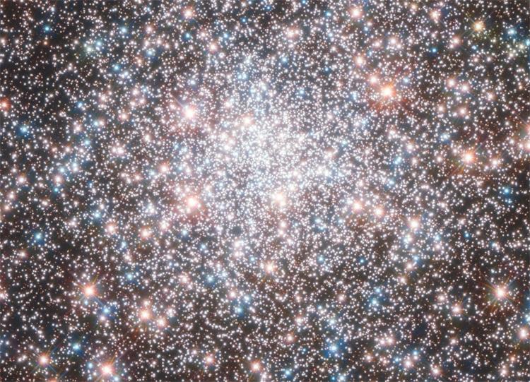 NASA опубликовало снимок слияния 2-х  галактик