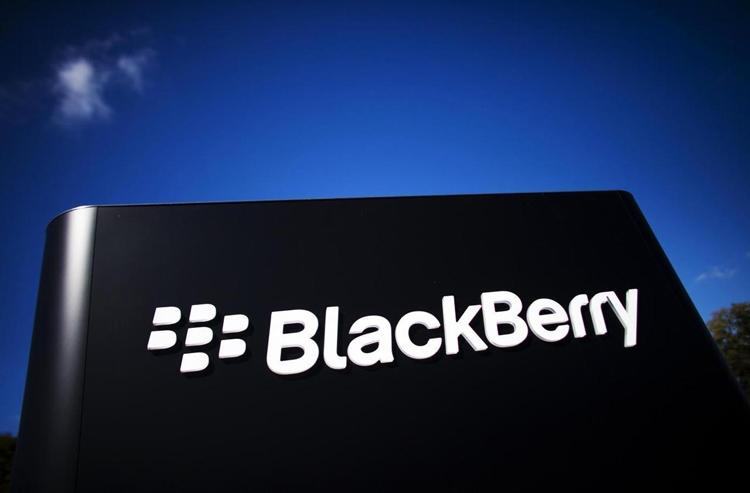 BlackBerry: в гибких смартфонах нет необходимости