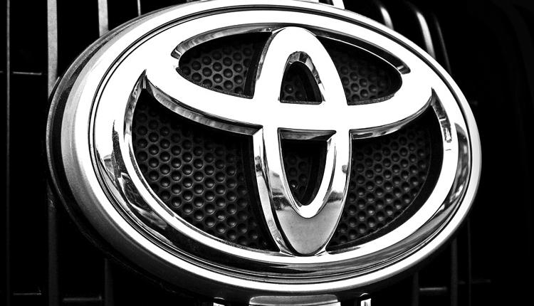 """Toyota предлагает распылять в лицо угонщикам слезоточивый газ"""""""