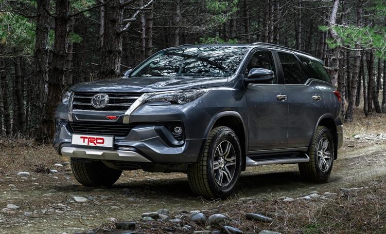 """Рамные внедорожники Toyota предстали в России в специальной версии TRD"""""""