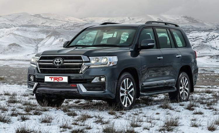 Рамные внедорожники Toyota предстали в России в специальной версии TRD
