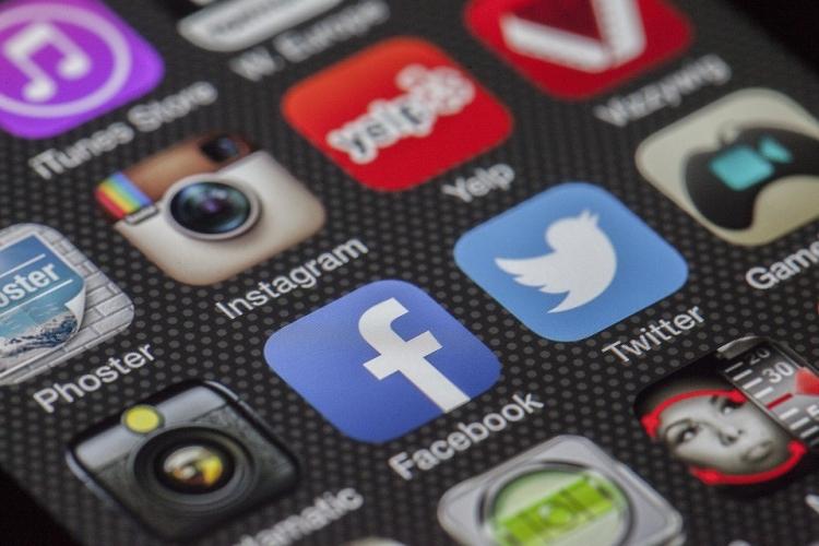 Массовый сбой: Facebook и Instagram «упали» во всём мире