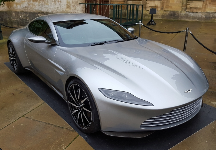 Джеймс Бонд станет «эко-френдли» ибудет водить электромобиль— The Sun