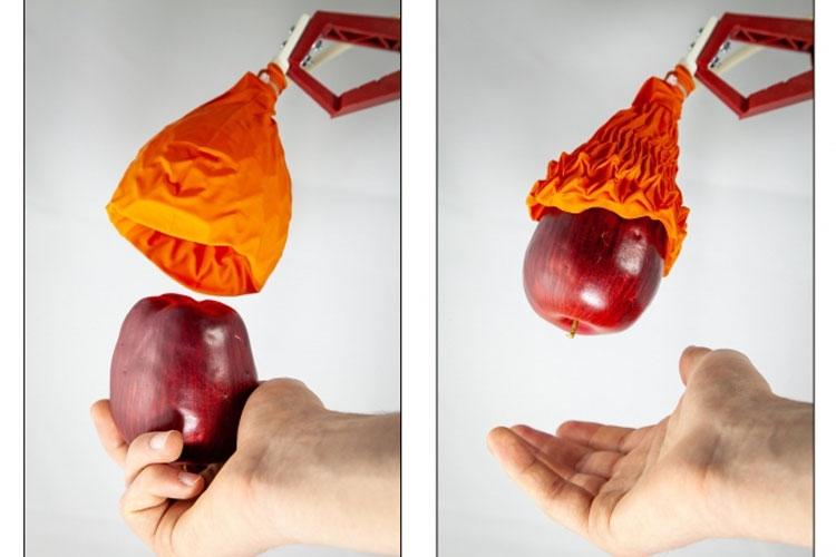 """В MIT создали мягкий роботизированный захват, который работает лучше, чем пальцы"""""""