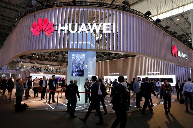 """Huawei официально подтвердила, что готовит свою ОС для компьютеров и смартфонов"""""""