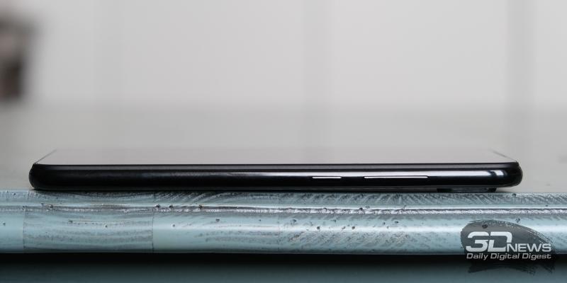 Xiaomi Redmi Note 7, правая грань: клавиши включения и регулировки громкости/спуска затвора камеры
