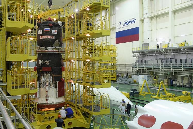"""Фото дня: грузовой корабль «Прогресс МС-11» готовится к запуску"""""""
