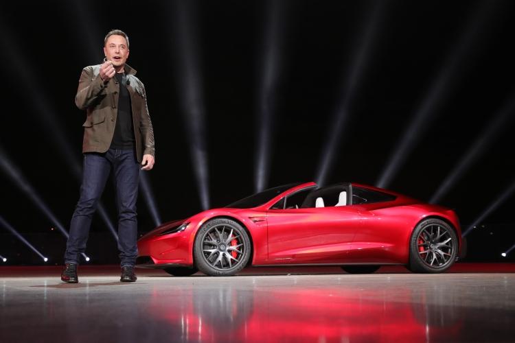 """Tesla изменила правила возврата электромобилей после противоречивого твита Илона Маска"""""""