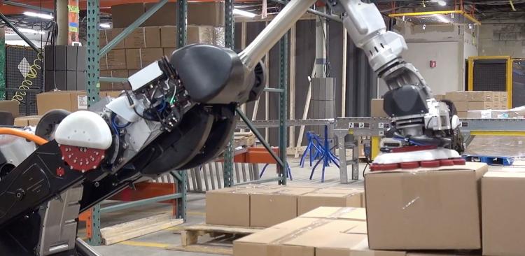 """Видео: обновлённый робот Boston Dynamics Handle с захватом на присоске легко управляется на складе"""""""