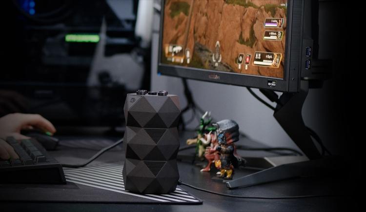 """Видео: NVIDIA показала GeForce RTX R.O.N. — первого в мире голографического игрового помощника"""""""