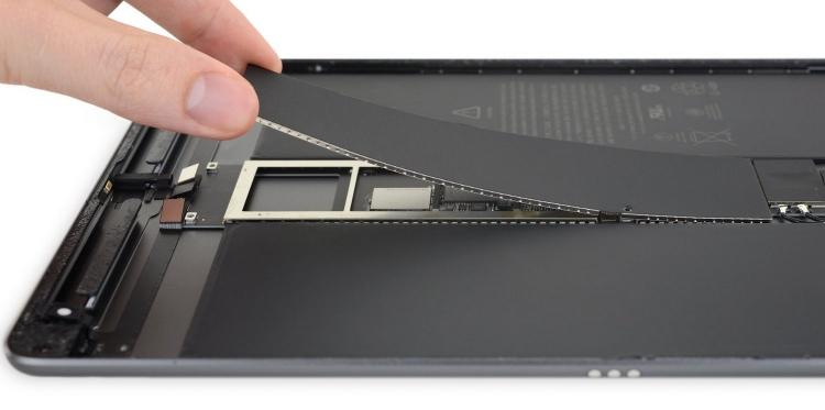 """Лучше не ломать 2: планшет iPad Air 3 оказался почти непригоден для ремонта"""""""