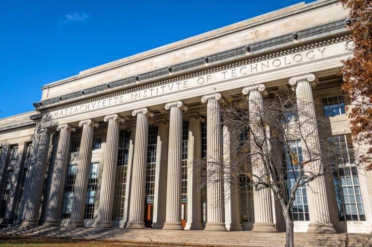 """MIT приостанавливает сотрудничество с компаниями Huawei и ZTE"""""""