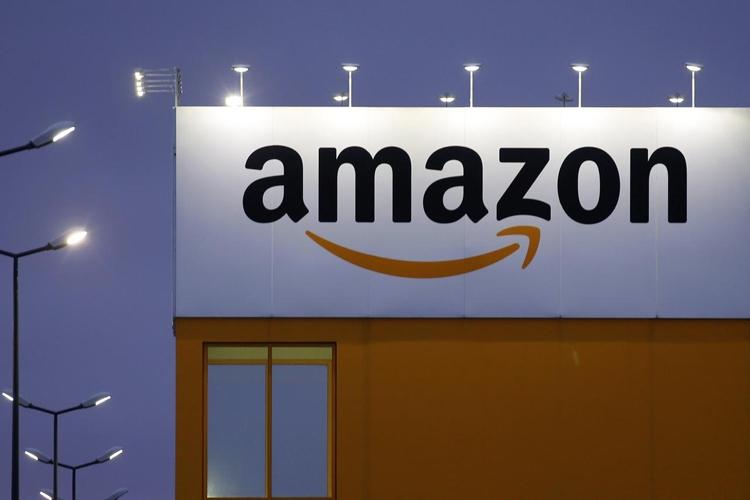 """Amazon выпустит беспроводные наушники с поддержкой Alexa"""""""