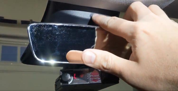 """Илон Маск объяснил наличие камеры в салоне Tesla Model 3"""""""