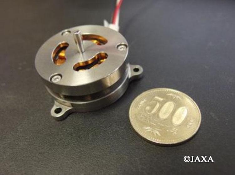 """Японцы разработали компактный электромотор для работы в космосе и не только"""""""