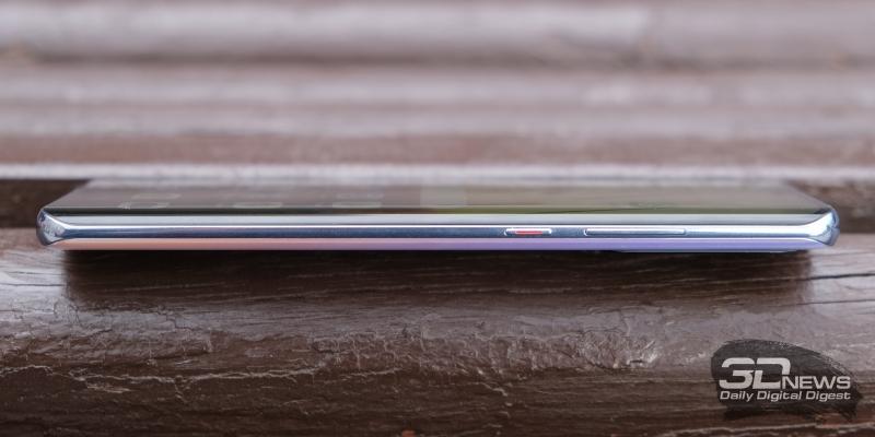 Huawei P30 Pro, правая грань: клавиши включения и регулировки громкости/спуска затвора камеры
