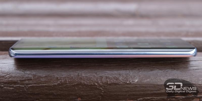 Huawei P30 Pro, левая грань свободна от функциональных элементов
