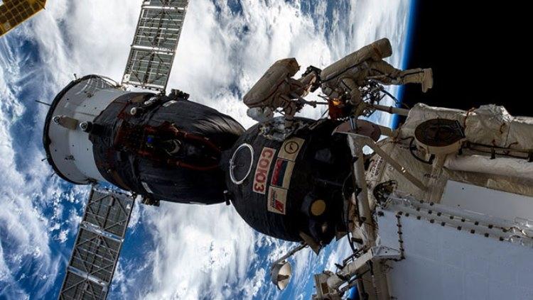 РКК «Энергия» составила требования безопасности на случай появления «дырок» в кораблях «Союз»