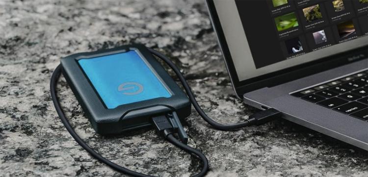 """Прочный жёсткий диск G-Technology ArmorATD вмещает до 4 Тбайт данных"""""""