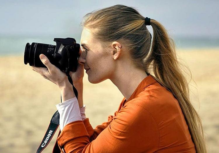 """Canon EOS 250D — самая лёгкая зеркалка с поворотным дисплеем и видео 4K"""""""