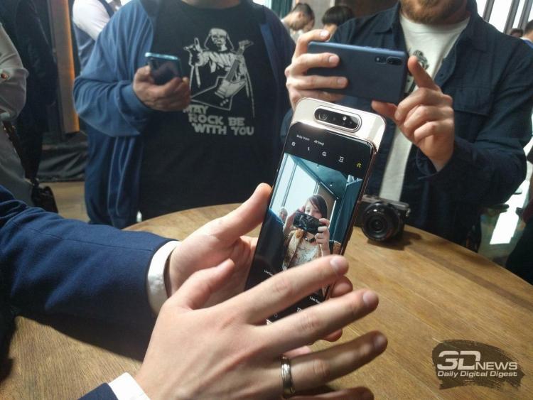 """Samsung Galaxy A80: новое слово в организации камер в смартфоне"""""""