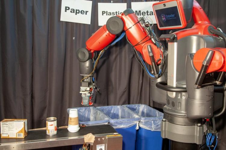 """Созданный учёными робот сортирует продукты переработки и мусор на ощупь"""""""