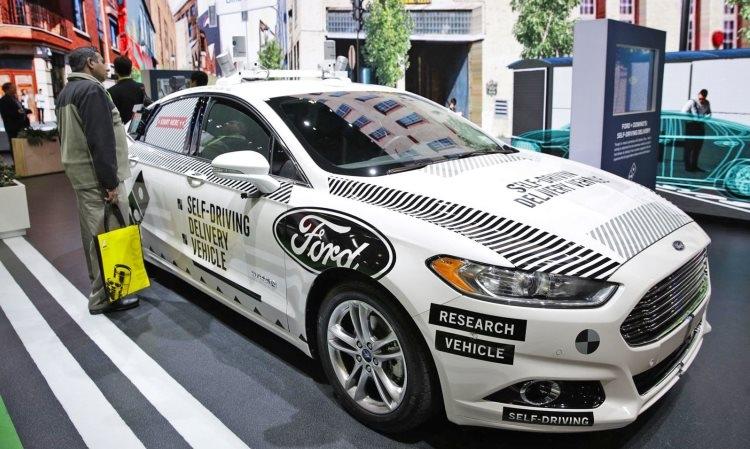 """Генеральный директор Ford считает, что компания переоценила автомобили с автономным управлением"""""""