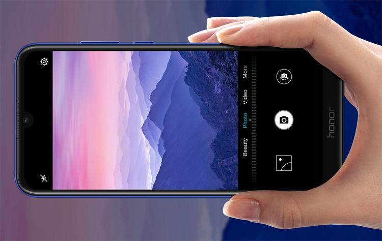 """В России представлен смартфон Honor 8A Pro: экран размером 6"""" и чип MediaTek"""""""