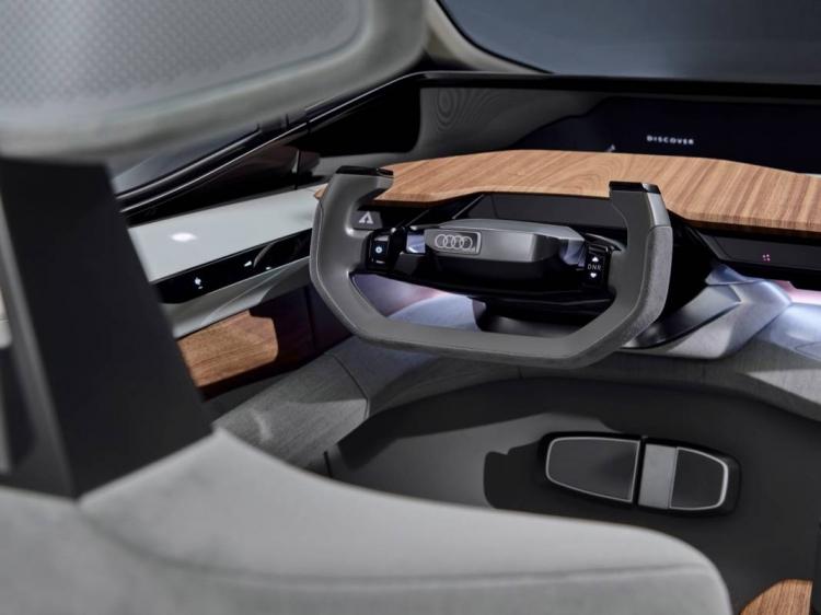 """Видео: концепт Audi AI:me призван обрисовать городской транспорт будущего"""""""