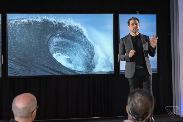 """Microsoft планирует выпустить 85-дюймовую версию дисплея Surface Hub 2"""""""