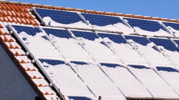 """Работающий на снегу наногенератор — полезное дополнение к солнечным батареям"""""""