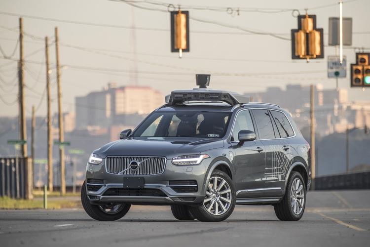 """Uber получит $1 млрд на развитие сервиса роботизированных пассажирских перевозок"""""""