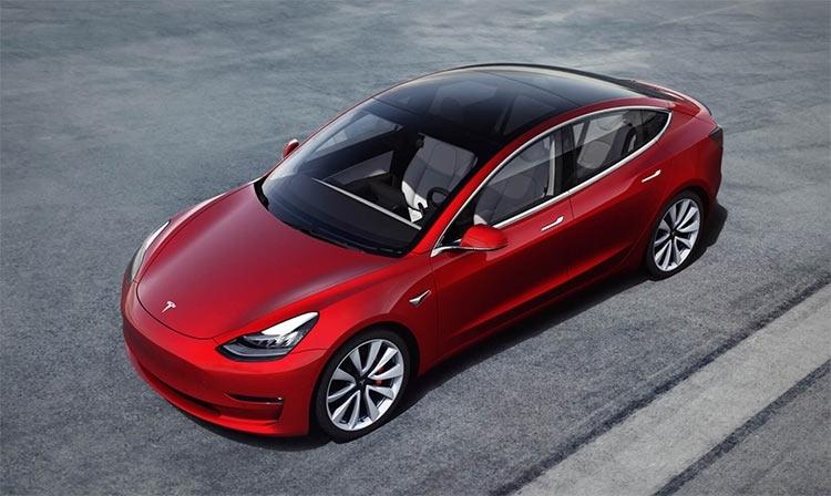 """Илон Маск: к концу 2019 года автопилот Tesla превзойдёт умения водителя"""""""